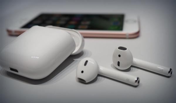 Наушники Apple и другие аксессуары для смартфонов